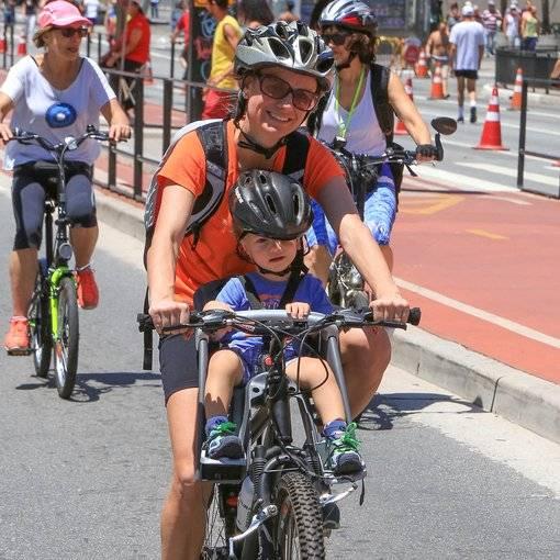 Compre suas fotos do evento Dia das Crianças na Av. Paulista no Fotop