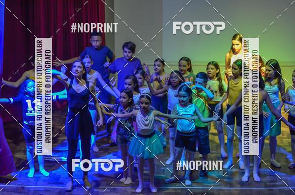 Buy your photos at this event Apresentação de dança  da Escola Uruguai na Escola Rainha do Brasil on Fotop