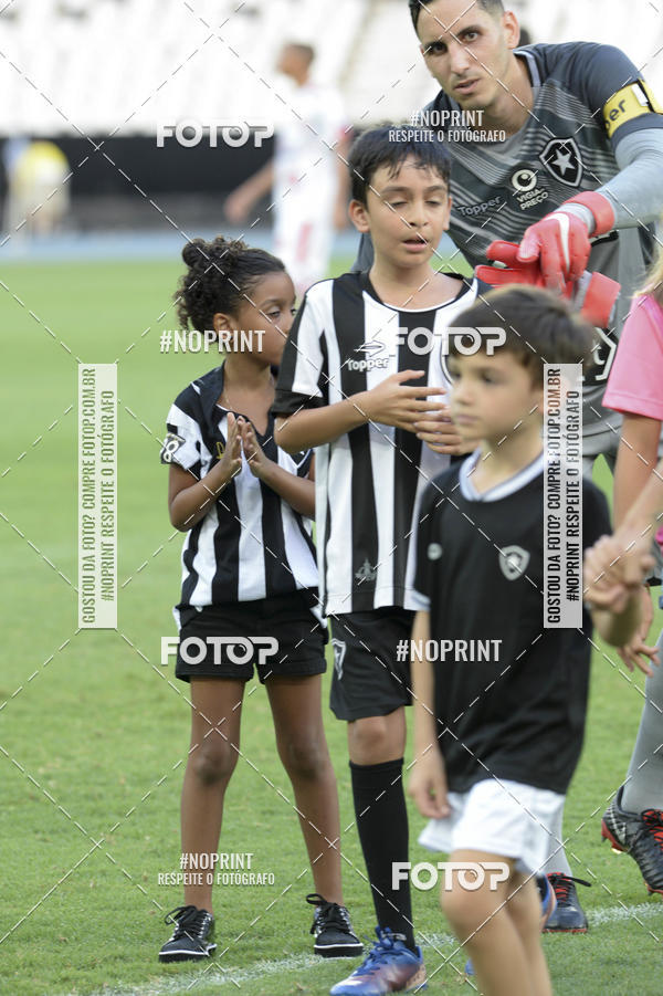 Buy your photos at this event Botafogo x Bangu - Nilton Santos - 23/01/2019 on Fotop