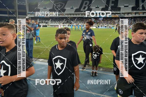 Buy your photos at this event Botafogo x Resende - Nilton Santos - 31/01/2019 on Fotop