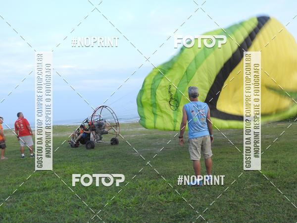 Buy your photos at this event Recorde Mundial de Paramotor em Itanhaém on Fotop