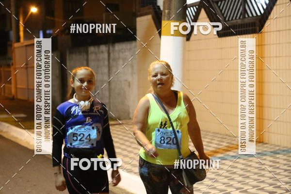 Compre suas fotos do eventoNight Run 5K 10K Praia Grande on Fotop