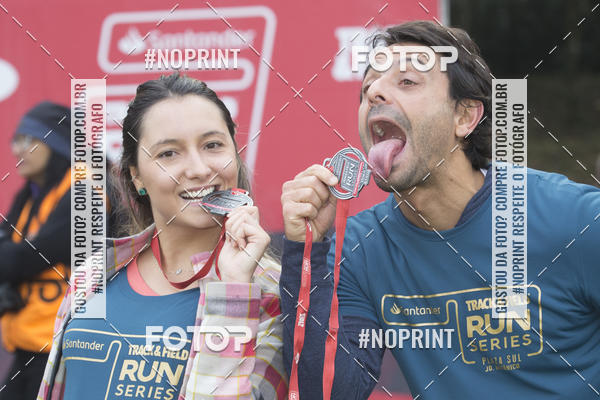 Buy your photos at this event SANTANDER TRACK&FIELD RUN SERIES - PLAZA SUL/JARDIM BOTÂNICO - Equipe ASI on Fotop