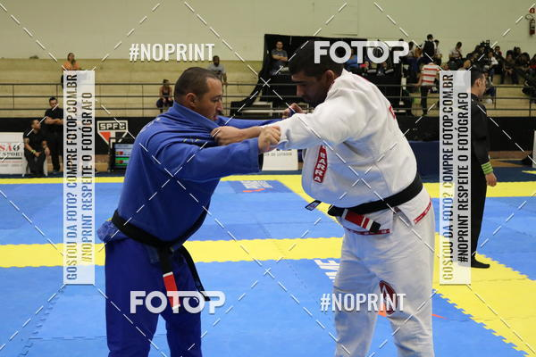 Buy your photos at this event fight friends on Fotop
