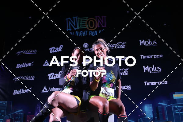 Buy your photos at this event Neon Night Run 2019 - Brasilia on Fotop