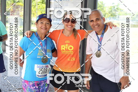 Buy your photos at this event 21k Asics Golden Run - RJ on Fotop