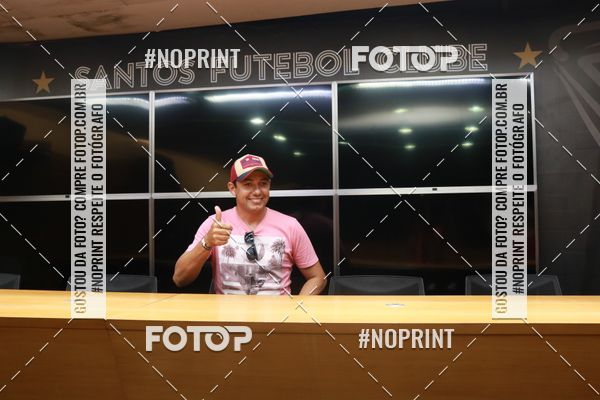 Buy your photos at this event Tour Vila Belmiro - 21 de Fevereiro    on Fotop
