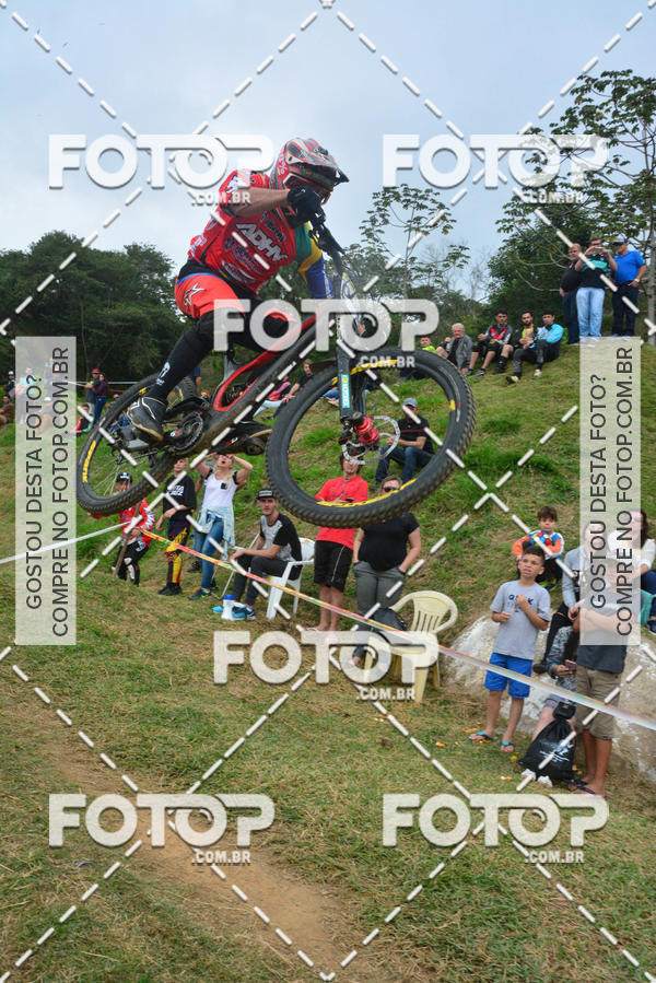 Compre suas fotos do evento COPA INTERNACIONAL DOWNHILL 2017   no Fotop
