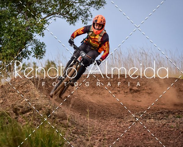 Buy your photos at this event Race Day Cerrado Flow on Fotop