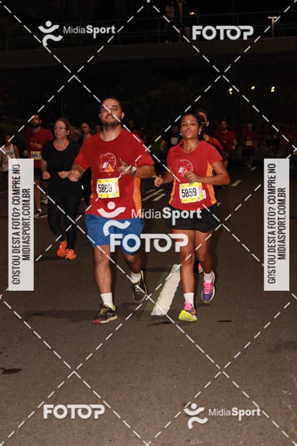 Compre suas fotos do evento Run The Night - RJ no Fotop
