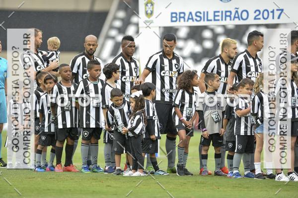 Compre suas fotos do evento  Botafogo  x Atlético-PR – Nilton Santos – 11/11/2017 no Fotop