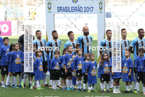 Buy your photos at this event Grêmio x Atlético-GO - Brasileirão 2017 on Fotop