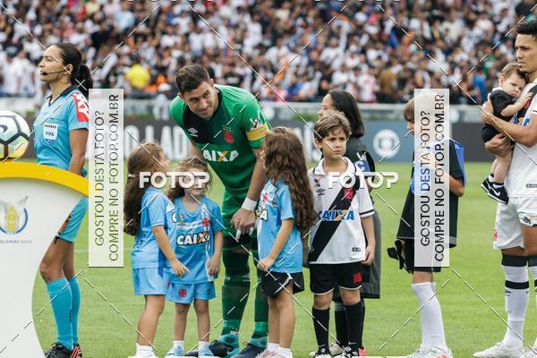 Buy your photos at this event  Vasco da Gama  X Ponte Preta - São Januário  - 03/12/2017 on Fotop