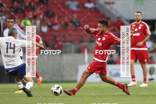 Compre suas fotos do evento Lance de Craque - Um gol pelas crianças no Fotop