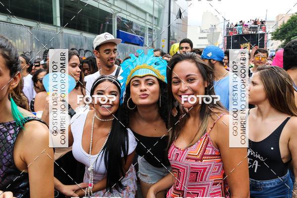Compre suas fotos do evento Bloco Acadêmicos do Baixo Augusta no Fotop