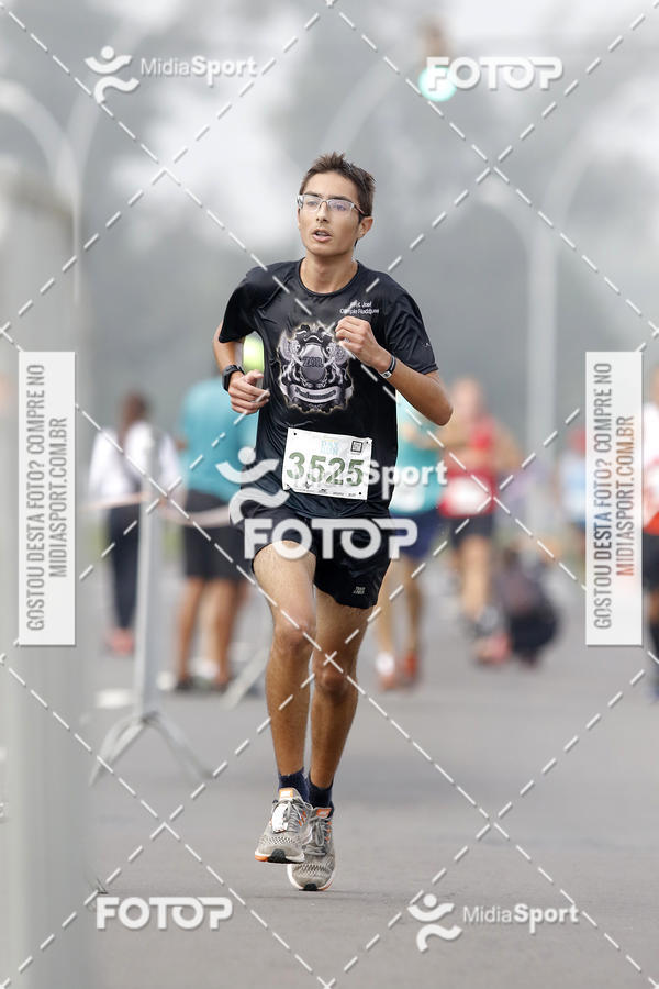 Buy your photos at this event Poa Day Run / Poa 21k on Fotop