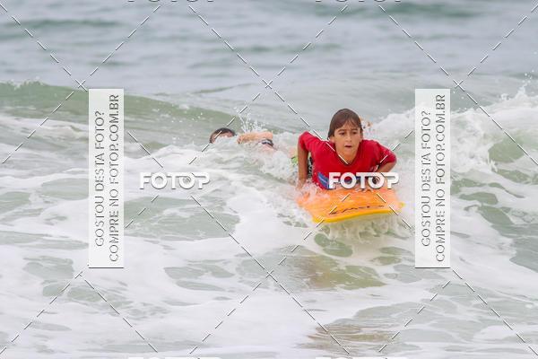 Buy your photos at this event Campeonato da Escola Municipal de Surf de Macaé on Fotop