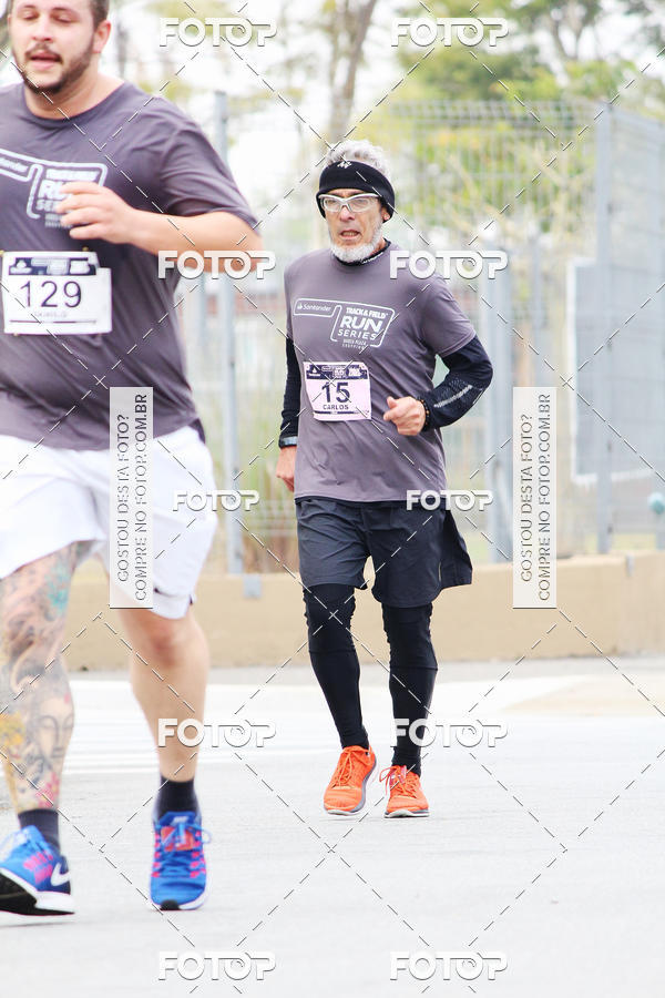 Buy your photos at this event Santander Track & Field Run Series - Mooca Plaza Shopping on Fotop