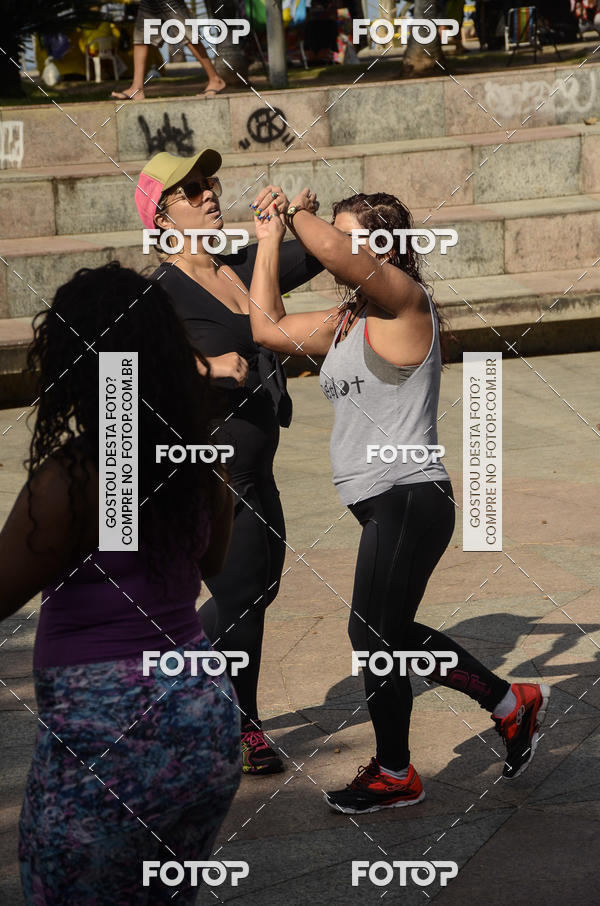 Buy your photos at this event Aulão Zumba e muito mais - Posto 12 - 11Hs Recreio dos Bandeirantes - Studio Personal Dance Nanda Prado on Fotop