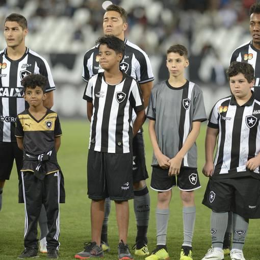 Botafogo x Cruzeiro - Estádio Nilton Santos  - 05/09/2018 on Fotop