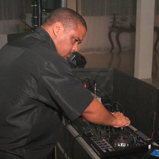 DJ Tandi Eventos on Fotop