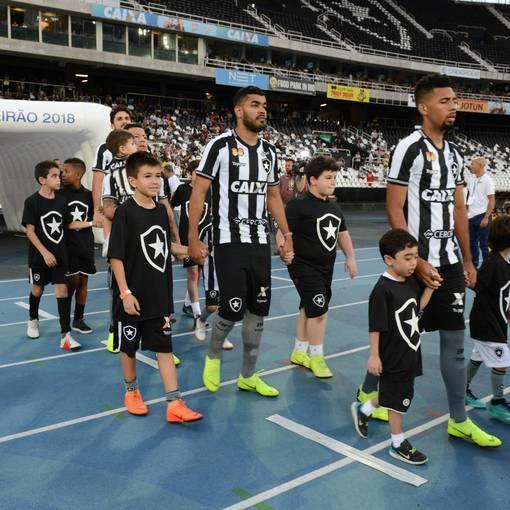 Botafogo x Flamengo - Estádio Nilton Santos  - 10/11/2018 on Fotop