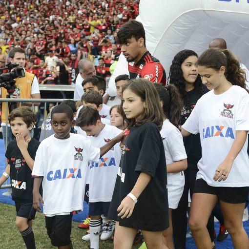 Flamengo x Atlético-PR - Maracanã - 01/12/2018 on Fotop