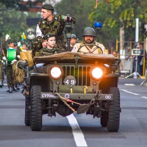 Desfile Cívico Aniversário da cidade de Leme on Fotop