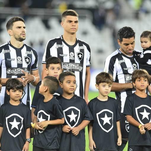 Botafogo x Goiás – Nilton Santos - 09/10/2019 on Fotop