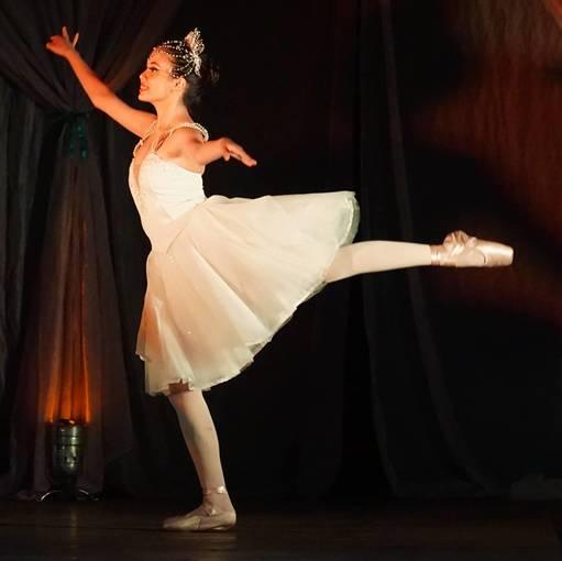 Espetáculo  de Dança Balé Projeto Sociais Reinvente  e Student Dance on Fotop