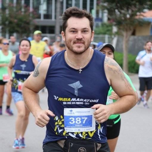Compre suas fotos do evento Meia Maratona São José dos Pinhais PR no Fotop