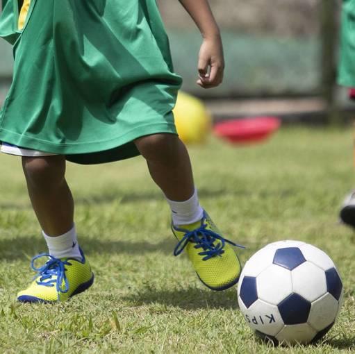 Horário 08:30 - Treino Escolinha de Futebol do Roma/ Volta Redonda-RJ    HORÁRIO 08:30 on Fotop