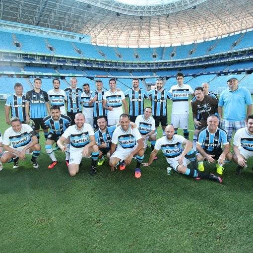 Jogue na Arena do Grêmio 2016 on Fotop