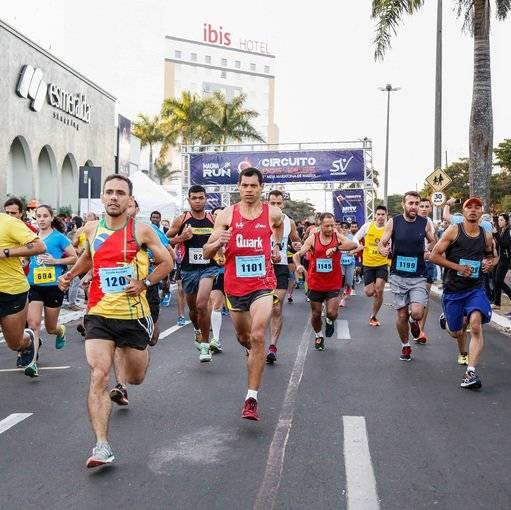 Compre suas fotos do evento Circuito dos Vales - 1ª Meia Maratona de Marília  no Fotop