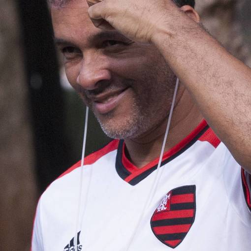 Jogo de Futebol no Ibirapuera on Fotop
