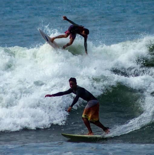 SURF Brava do Camburí on Fotop