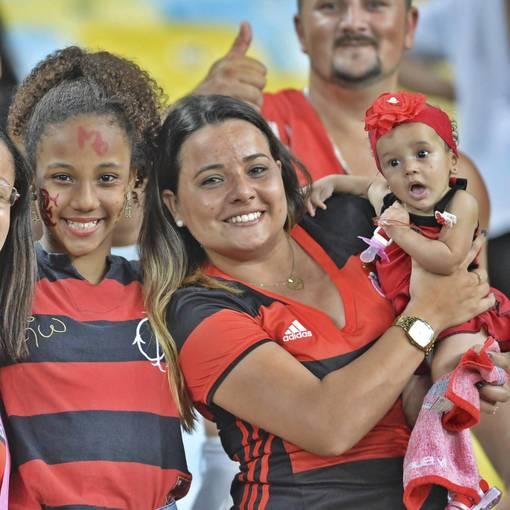 Compre suas fotos do evento Flamengo x Fluminense - Maracanã no Fotop