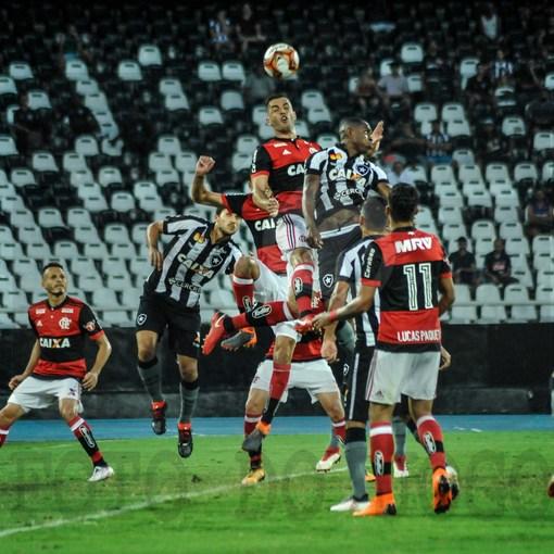 Compre suas fotos do evento Flamengo x Botafogo - Taça Rio - Carioca 2018 no Fotop