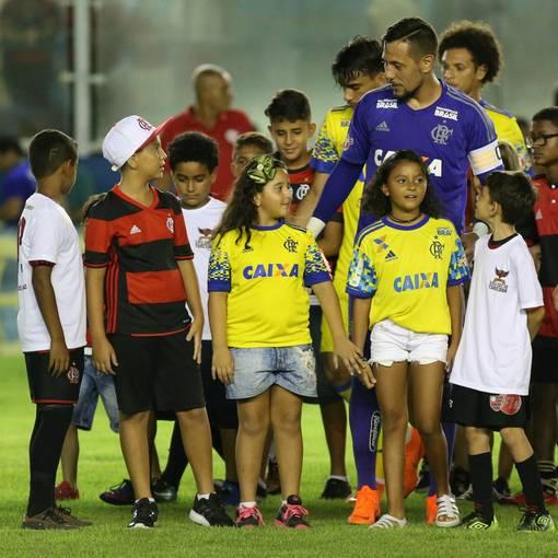Crianças - Macaé Esporte x Flamengo on Fotop