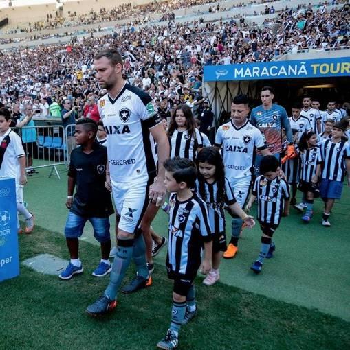 Vasco x Botafogo - Maracanã - 08/04/2018 on Fotop