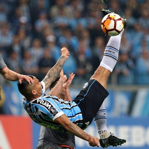Grêmio x Estudiantes on Fotop