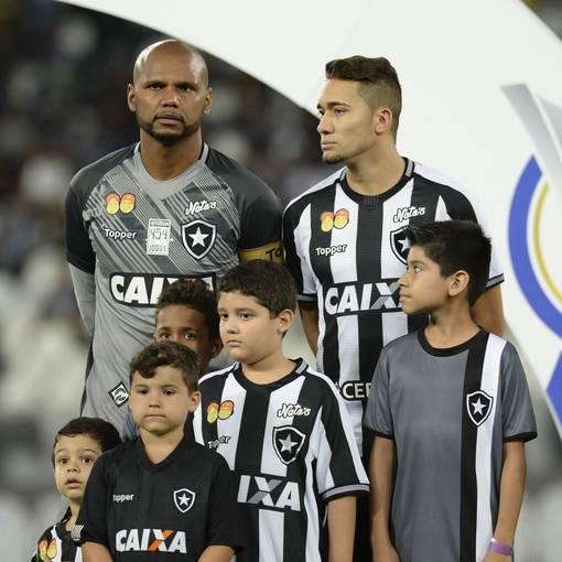 Botafogo x Ceará - Estádio Nilton Santos  - 06/06/2018 on Fotop