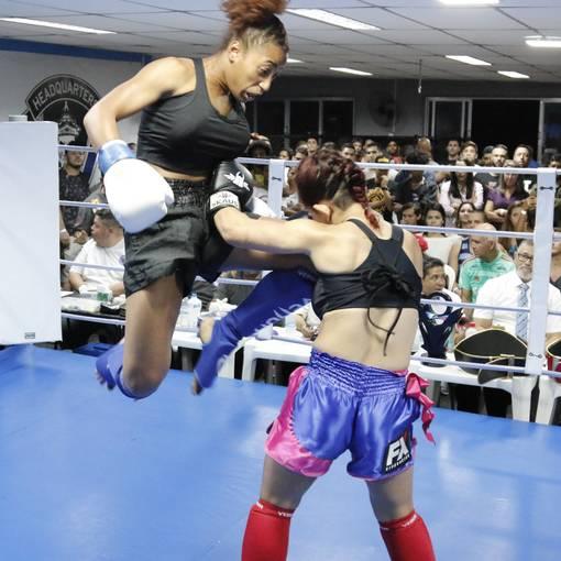 WRK girls kickboxing on Fotop